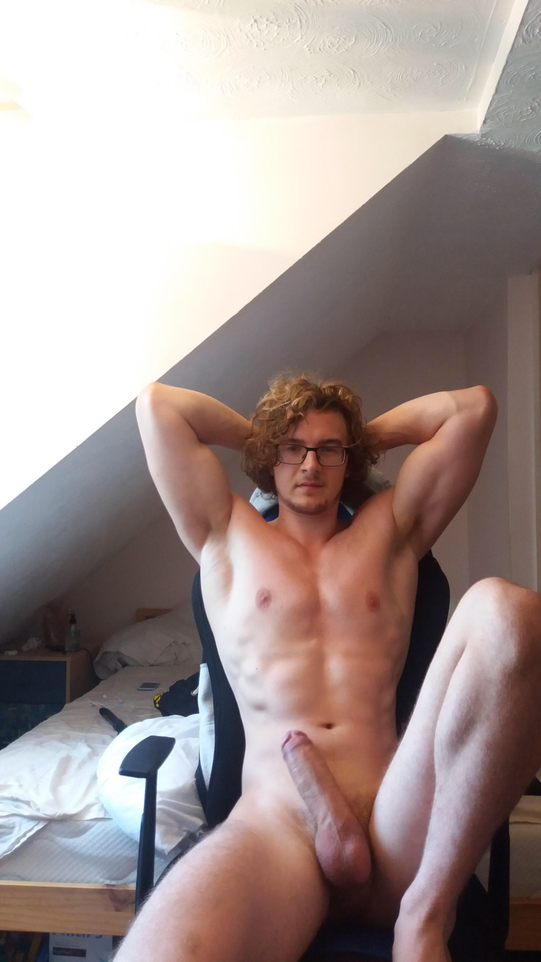 blond ttbm beau mec en erection
